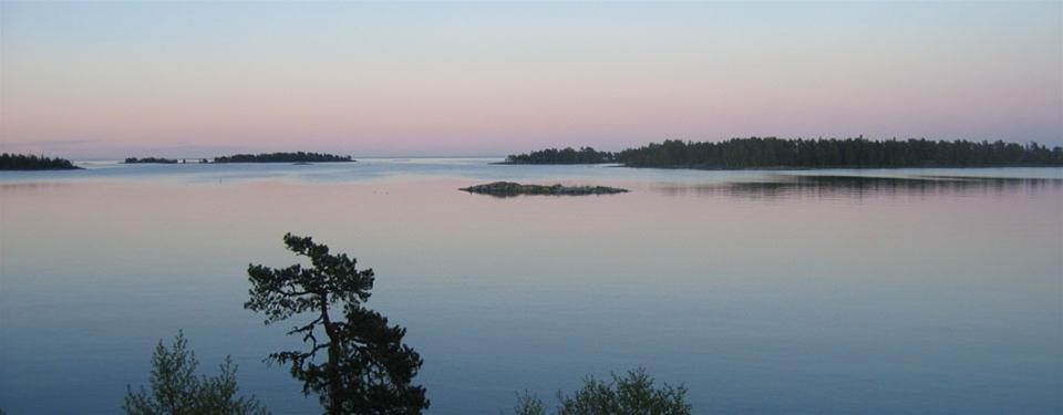 Bo vid Vänerns strand-Få rabatt på din stugvistelse